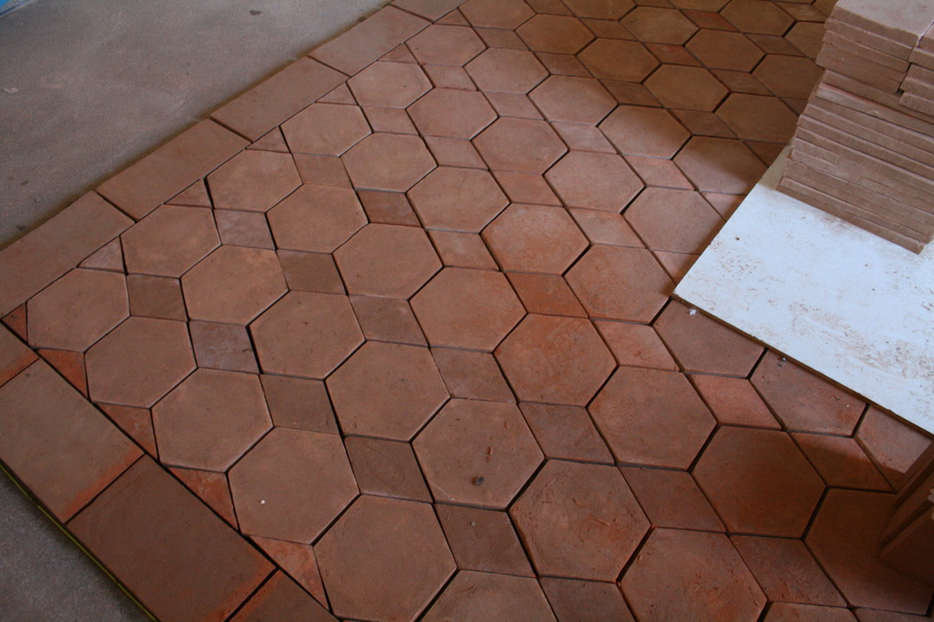 Sale terracotta tiles italy the classic is the terracotta tiles that we used to see in old buildings houses towns churches etc in spite of the centuries always has the same dailygadgetfo Choice Image